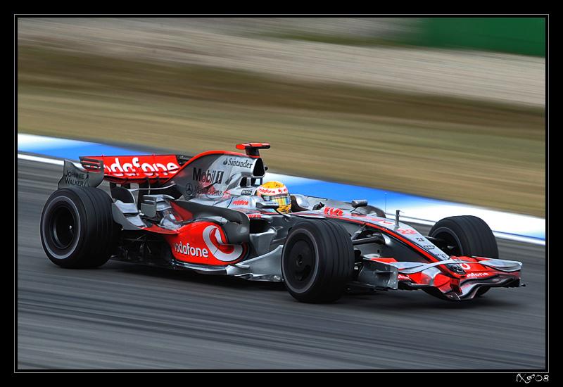 F1_LewisHamilton_blur.jpg