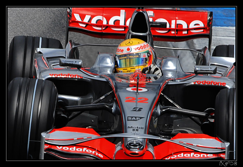 F1_LewisHamilton_close.jpg