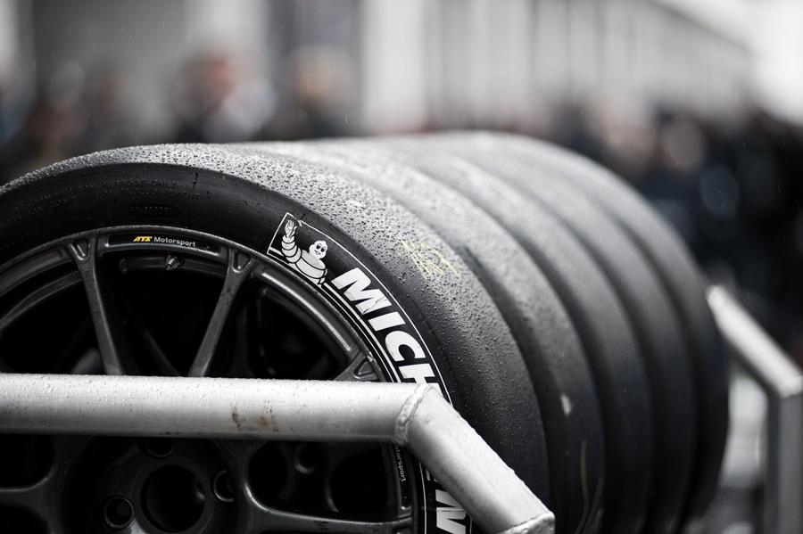 NBR_Michelin_slicks.jpg